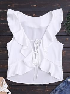 Front Tie Ruffles Cropped Tank Top - White S Trendy Outfits, Summer Outfits, Cute Outfits, Trendy Fashion, Diy Vetement, Cropped Tank Top, Ladies Dress Design, White Tops, Fashion Looks