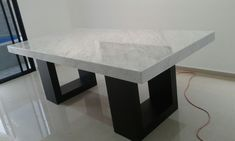 Mesa de mármol blanco carrara italiano Granite Coffee Table, Granite Table, Marble Top Dining Table, Diy Coffee Table, Modern Dining Table, Dinning Table Design, Dinning Room Tables, Elegant Dining Room, Modern House Design