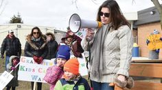 #Hundreds rally in Oshawa to demand province fund new Grandview Children's Centre - durhamregion.com: durhamregion.com Hundreds rally in…