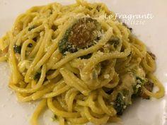 Gli spaghetti alla Nerano sono un primo piatto della cucina partenopea nato in un borgo marinaro. Un piatto semplice a base di zucchine fritte e provolone.