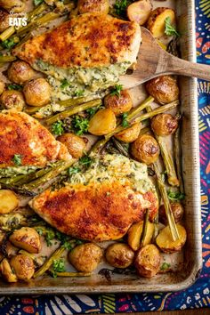 Creamy Cheesy Spinach Stuffed Chicken Tray Bake - Tender Juicy Chicken Breasts with a Creamy Parmesan Spinach Stuffing all baked on one tray with Baby Yukon Gold Potatoes and Asparagus. Gluten-Free, Slimming World and Weight Watchers friendly Cheesey Chicken, Cheese Stuffed Chicken, Roasted Chicken Breast, Oven Roasted Chicken, Chicken Tray Bake Recipes, Casserole Recipes, Slimming Eats, Slimming Recipes, Cooking Recipes