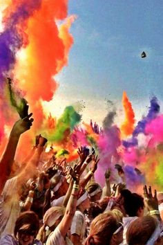 The color run! This will be me on Saturday !!