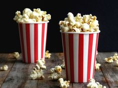 Dill Pickle Popcorn-I have t tried the dill pickle chips but I can't trust myself around salt and vinegar chips, so I'm pretty sure I'd love them. And this popcorn! This sounds Delish Popcorn Snacks, Popcorn Recipes, Popcorn Toppings, Gourmet Popcorn, Dill Pickle Chips, Filling Food, Love Food, Pickles, Yummy Food