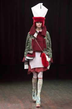 See the complete Undercover Fall 2017 Ready-to-Wear collection.