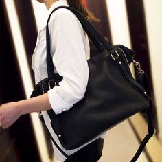 Fashion Rivets and Solid Color Design Women's Shoulder Bag, BLACK in Shoulder Bags | DressLily.com