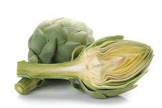 ¿Sabías que la alcachofa?: Protege y ayuda al buen funcionamiento del hígado, es muy rica en fibra (inulina) que ayuda a tratar el estreñimiento, favorece la fución biliar y la digestión de grasas, ayuda a reducir el colestrol y regula la absorción de azúcares y encima tiene un alto poder diurético. ¿Qué más puedes pedir?
