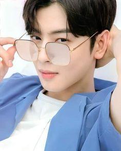 Korean Celebrities, Korean Actors, Cat Eye Sunglasses, Mirrored Sunglasses, Cha Eunwoo Astro, Astro Fandom Name, Lee Dong Min, Sanha, Lee Jong Suk