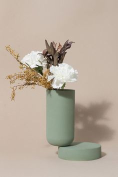 Jan 2020 - We've made a careful selection of home accessories, since the sparkling vases and ornaments to sumptuous tabletop pottery and ceramics. See more ideas about Home accessories, Pottery and Decor. Flower Vases, Flower Arrangements, Still Life Photography, Film Photography, Photography Ideas, Color Inspiration, Flower Power, Decoration, Planting Flowers