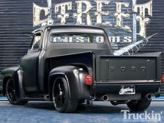 "Hot Rod e Kustom: Ford F-100 ano 55 do Sylvester Stallone ""Mercenários"""