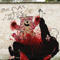 Bagpuss hates fascists