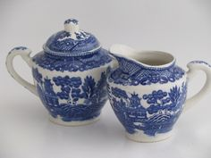 old Blue Willow china cream pitcher and sugar bowl set, vintage Japan
