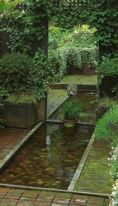 Gartenteich Bilder kreative Gartenideen Innenhof Efeu Kletterpflanzen