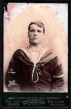 Vintage Sailor.. Gunner with crossed rifles Marksmans badge Poss. Australian