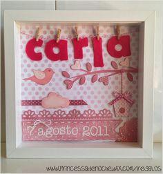 Cuadro con nombre en fieltro y fecha de nacimiento para la habitación de Carla.        Para contacto, información y pedidos: princessadenoch...