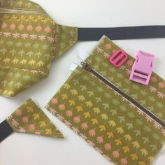 Fanny Pack Pattern, Artist Bag, Beautiful Mess, Flower Market, Sewing Accessories, Green Fabric, Fennel, Dog Walking, Things To Think About