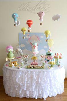 Hot Air Balloon Birthday ♥ Hot Air Balloon themed birthday cake ♥ Hot air balloon cake pops ♥ Hot air balloon cookies ♥ Mini naked cakes ♥ Hot air balloon themed party backdrop ♥