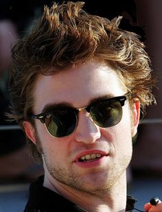 Robert Pattinson - Ray-Ban Clubmaster RB 3016