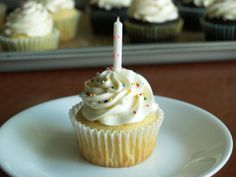Hungry Hungry Highness: Perfect Birthday Cupcakes