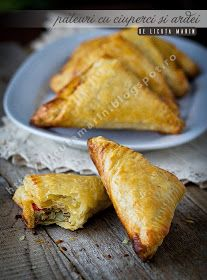 Pies with mushrooms and peppers Light Snacks, Stuffed Mushrooms, Stuffed Peppers, Antipasto, Tea Time, Bread, Baking, Ethnic Recipes, Food
