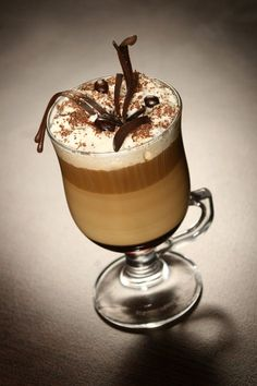 perfect for cold winter days. You can find more winter coffee dri. - Irish coffee…perfect for cold winter days. You can find more winter coffee drink recipes here: ww - Keurig Recipes, Coffee Drink Recipes, Coffee Drinks, Irish Coffee, Coffee Cafe, Irish Cream, Chocolates, Coffee Grain, Frappe Recipe