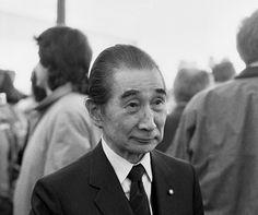 [05-06-2015]METABOLISMO Y BRUTALISMO JAPONÉS_ Nació en Sakai, pero pasó la mayor parte de su infancia en la ciudad natal de su padre, Imabari, en la Prefectura de Ehime de Japón. De adolescente no…
