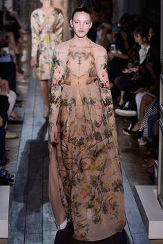 Valentino - Runway Haute Couture Fall/Winter 2oI2 - (05.07.2012)