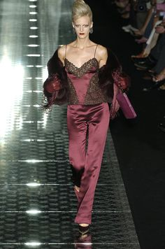 Valentino at Couture Fall 2004 ❤❥*~✿Ophelia Ryan✿*~❥❤