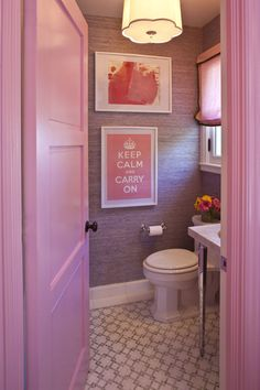perfect teen bathroom !! I love this ! Maybe different color :)