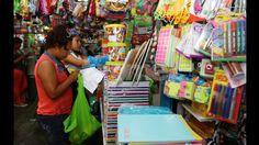 Lima: Padres sufren por aumento de precios de útiles escolares