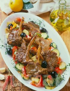 Lajos Mari konyhája - Provence-i bárányborda Provence, Dishes, Recipes, Food, France, Plate, Provence France, Recipies, Utensils