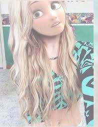 Lookin in my full body mirror after school. Modern Princess, Princess Style, Disney Rapunzel, Disney Princess, Princesse Disney Swag, Film Manga, Modern Disney Characters, Alternative Disney, Twisted Disney