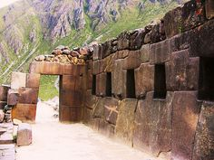 Peru - Ollantaytambo #incatrail #machupicchu #ollantaytambohttp://incatrail.info/machu-picchu/