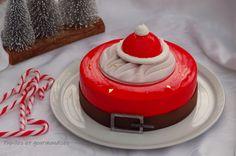 Christmas Log, Christmas Desserts, Christmas Themes, Xmas, Christmas Cakes, Birthday Highchair, Winter Theme, Mousse, First Birthdays