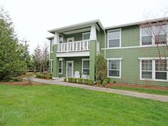 This gently lived-in Snoqualmie Ridge condo is the perfect place to call home! Offering easy, one-level living, in a quiet end-unit that is away from streets and backs to an open space. There are 3 bedrooms or 2 bedrooms and a den for your home office, kitchen with lots of counter space and an eating bar, dining room, living room warmed by a cozy gas fireplace, large master bedroom and bath with ...  More Details www.TheCascadeTeam.com