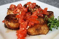 Italian Food Forever » Porcini Dusted Sea Scallops With Tomato Relish