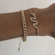 Cute Jewelry, Gold Jewelry, Jewelry Box, Jewelry Accessories, Fashion Accessories, Fashion Jewelry, Fashion Clothes, Fashion Fashion, Fashion Women