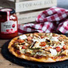 pizza de pesto, pollo y queso ricotta, receta pizza, receta rapida, receta facil, receta futbolera, receta para ver el futbol, pizza pesto