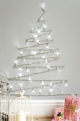 Christmas decorating tips: A Scandinavian Christmas Noel Christmas, Winter Christmas, All Things Christmas, Christmas Lights, Simple Christmas, Christmas Tree Ideas For Small Spaces, Alternative Christmas Tree, Cheap Christmas, Scandinavian Christmas