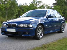 Le Mans blue E39 M5... perfect