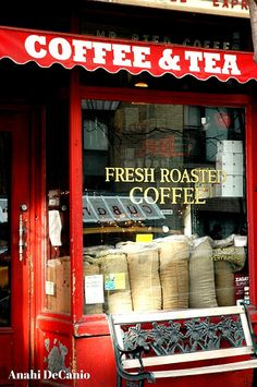 Red Coffee and Tea Shop New York City - The aroma of coffee beans being roasted then ground, I'll have a cup! Childhood memories of summe - I Love Coffee, Coffee Break, My Coffee, Morning Coffee, Kona Coffee, Latte Art, Café Chocolate, Fresh Roasted Coffee, Fresh Coffee