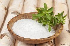 Pod jakimi względami ksylitol przewyższa tradycyjny biały cukier? Jakie wykazuje właściwości prozdrowotne i czy warto wprowadzić go do diety na stałe? https://oliwka24.pl/wlasciwosci-ksylitol-finski/