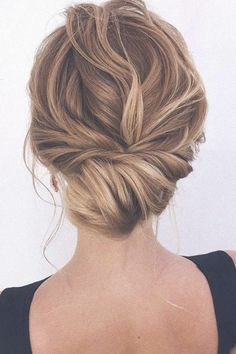 87 Fabulous Wedding Hairstyles For Every Wedding Dress Neckline 43 Gorgeous Half Up Half Down Hairstyles – Fabmood Wavy Wedding Hair, Wedding Hair And Makeup, Prom Hair, Winter Wedding Hairstyles, Low Bun Bridal Hair, Messy Wedding Updo, Bridal Hair Updo Elegant, Bridal Chignon, Boho Bridal Hair