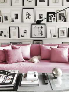 arrangement of pink, black and white http://www.elementsofstyleblog.com