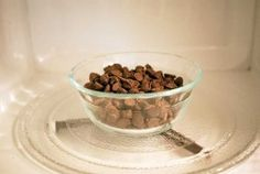 Need melted chocolate quickly? I'll show you how to melt chocolate in the microwave the easy way. Melting Chocolate, Chocolate Recipes, Dog Bowls, Dog Food Recipes, Microwave, Appetizers, Homemade, Cookies, Easy