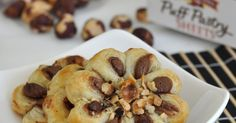 Cooking with Manuela: How to Make Puff-Pastry Chocolate-Hazelnut Flowers