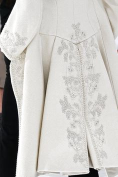 Best of Haute Couture Details and Embroidery, season after season. Dior Haute Couture, Raf Simons, Christian Dior, Green Wool Coat, Rococo Fashion, Couture Details, Costume, Hidden Closet, Positive Wallpapers