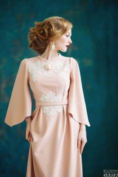 """Светлое розовое платье для торжества с кружевом """"Эдит""""."""