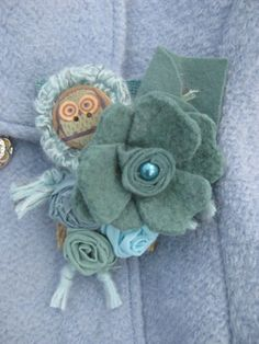 SHABBY-CHIC-Pretty-Felted-Wool-Pearl-Owl-Flower-Cluster-Corsage-Brooch-Sage