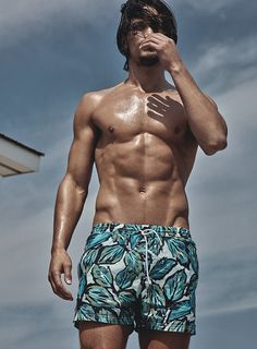 Supermodels Jarrod Scott & Clint Mauro team up with photographer Robbie Fimmano for The Perfect Summer Suit story coming from the pages of Details Magazine. Top Models, Male Models, Jarrod Scott, Details Magazine, Men Beach, Summer Swimwear, Summer Suits, Swimwear Fashion, Men Swimwear