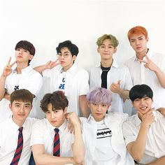 Find images and videos about kpop, exo and baekhyun on We Heart It - the app to get lost in what you love. Baekhyun Chanyeol, Exo Kai, Luhan And Kris, Exo Kokobop, Kpop Exo, Lay Exo, Park Chanyeol, Exo Ot12, Chanbaek
